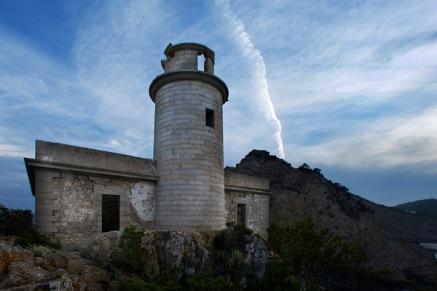 25/Abril/2015 Islas Baleares. Ibiza Faro de Punta Grossa en la Cala de Sant Vicent. © JOAN COSTA